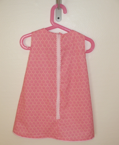 robe fille, robe brodée fille, broderie traditionnelle, point noeud, point araignée, point arrière repiqué, point chaînette, robe coton fille, robe fille 3 ans, robe rose